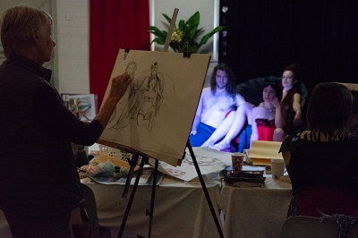artists at work at life drawing event in byron bay